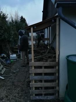 Holzunterstand Upcycling